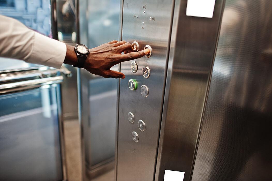 Afhjælp elevatorskræk med Hypnoterapi
